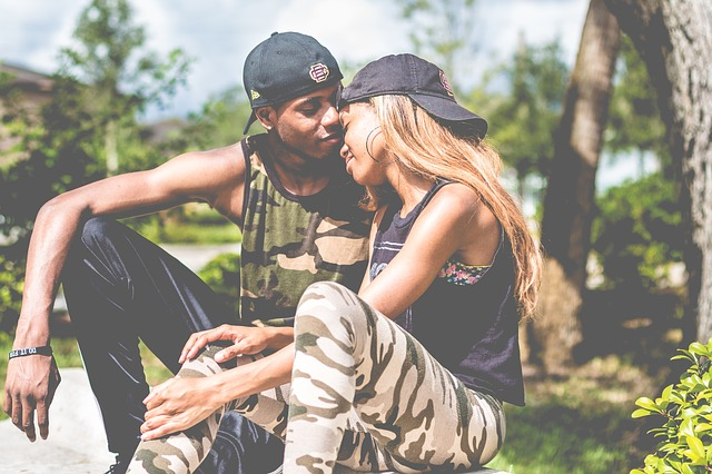 Clear 10 Signs of True Love from a Man – (Love Guide)